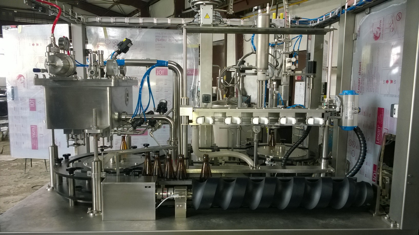 Product picture of Fully automatic linear step beverage glass bottles filling equipments for mini breweries and carbonated soft drinks production plants - output 500 BPH